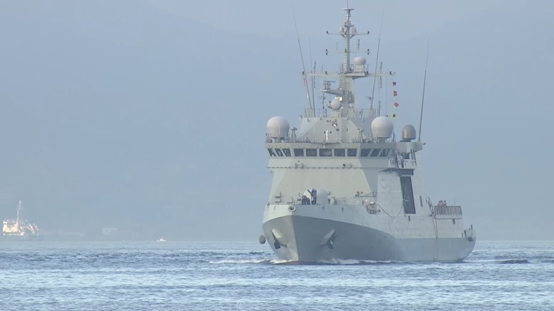 Spanish warship with migrants arrives in Spain