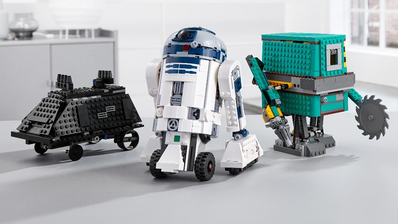 Droids and superheroes rescue Lego