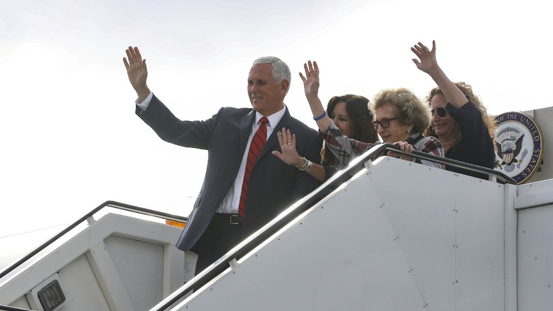 Dems slam Pence for staying at Trump's Ireland club