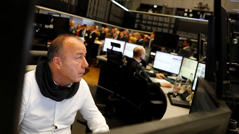 European stocks head for fourth week of gains