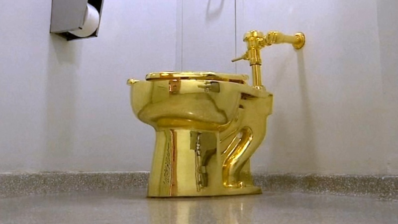 Golden throne: $5 million toilet stolen in the UK
