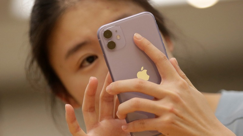 Chinese Apple fans wish for 5G