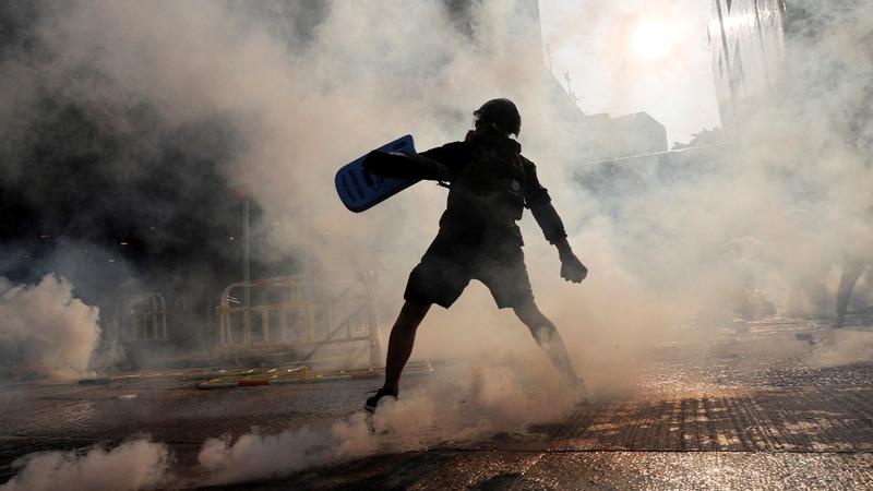 Teenager shot in chaotic Hong Kong violence