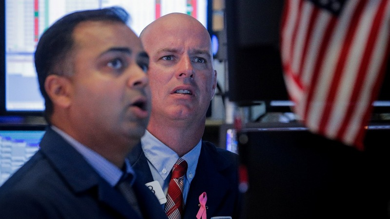 Dow drops more than 500 points on weak data