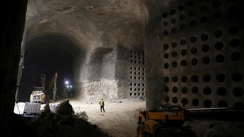Giant necropolis eases Jerusalem's grave shortage