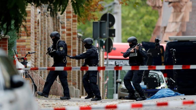 Gunman livestreams killing at German synagogue