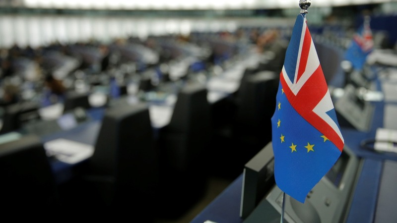 Brexit ball back in EU court, delay offer likely