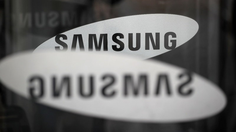 Samsung's profits fall by half in third quarter