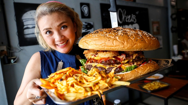 The frenzy to conquer Bangkok's 'biggest burger'