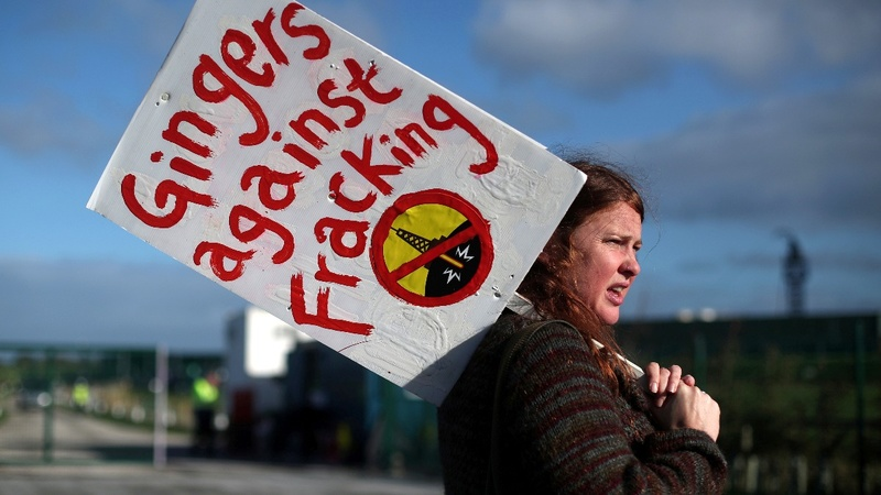 UK orders immediate fracking freeze after tremor