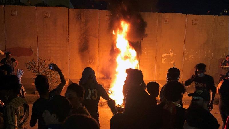 Iraqi protesters try to break into Iran consulate