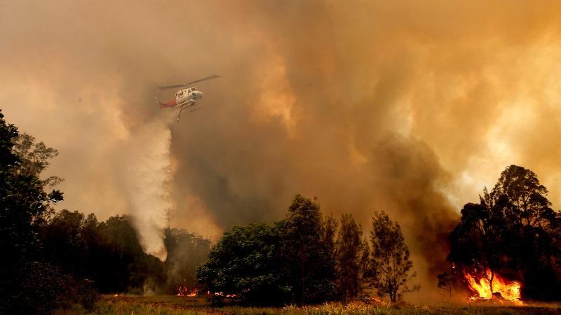 Australian bushfires kill three, several missing