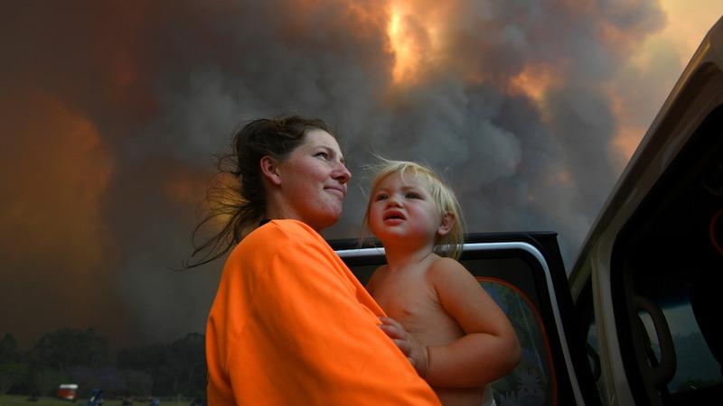 'Too late to leave': Bushfires ravage Australia
