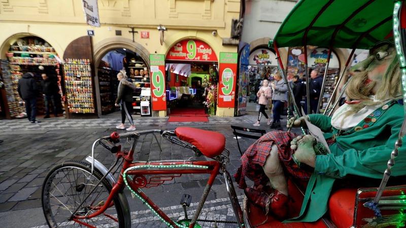 Prague locals tire of tourists