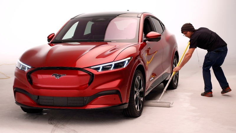 Ford unveils its new Mustang: an all-electric SUV
