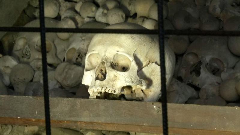Czech chapel of bones to kill photo ops