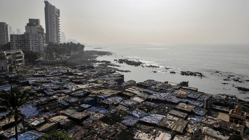 Rising sea levels threaten lives of slum dwellers