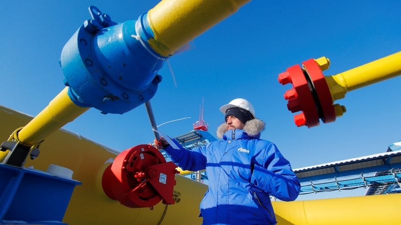 With new gas pipeline, Russia's exports flow east
