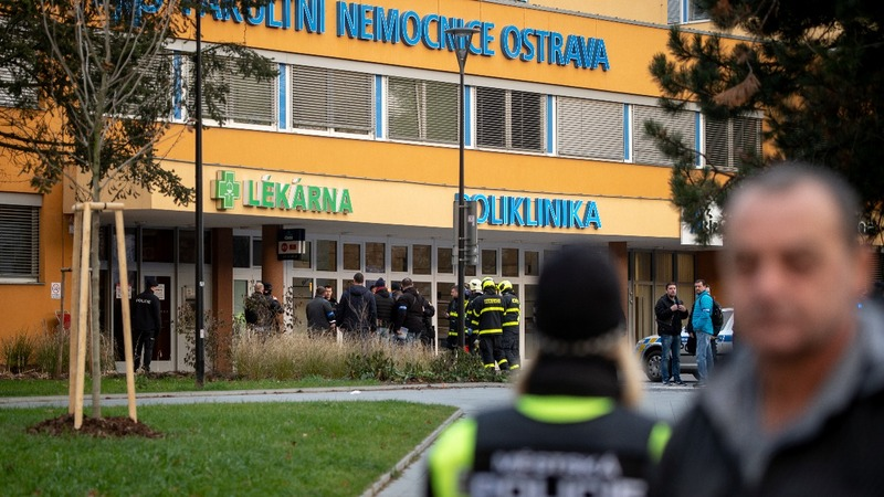 Czech hospital gunman kills six then himself