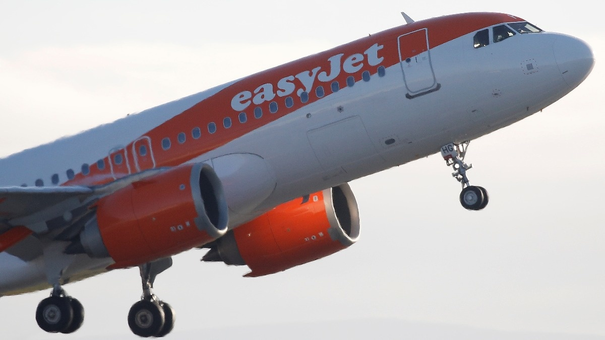 EasyJet shares up and bids in for Malaysia Airlines | Reuters Video