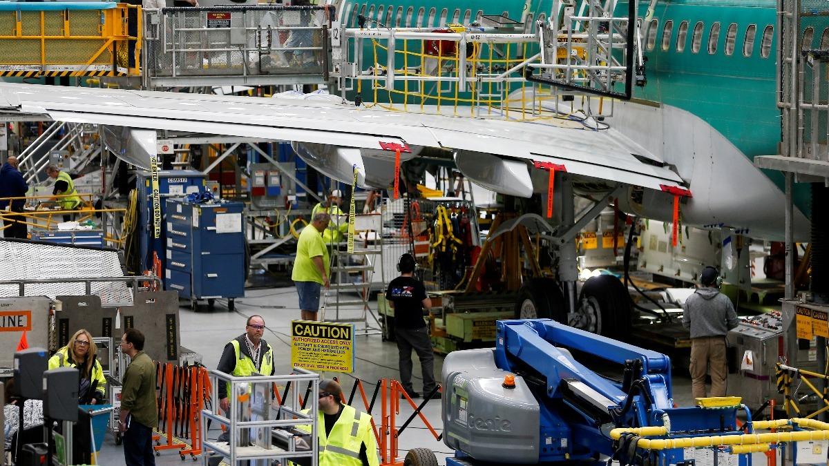 Boeing finds debris inside 737 MAX fuel tanks | Reuters Video