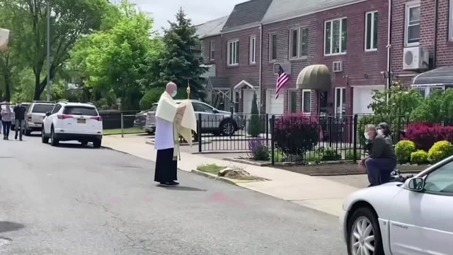 NY Catholics receive their blessings, from a distance